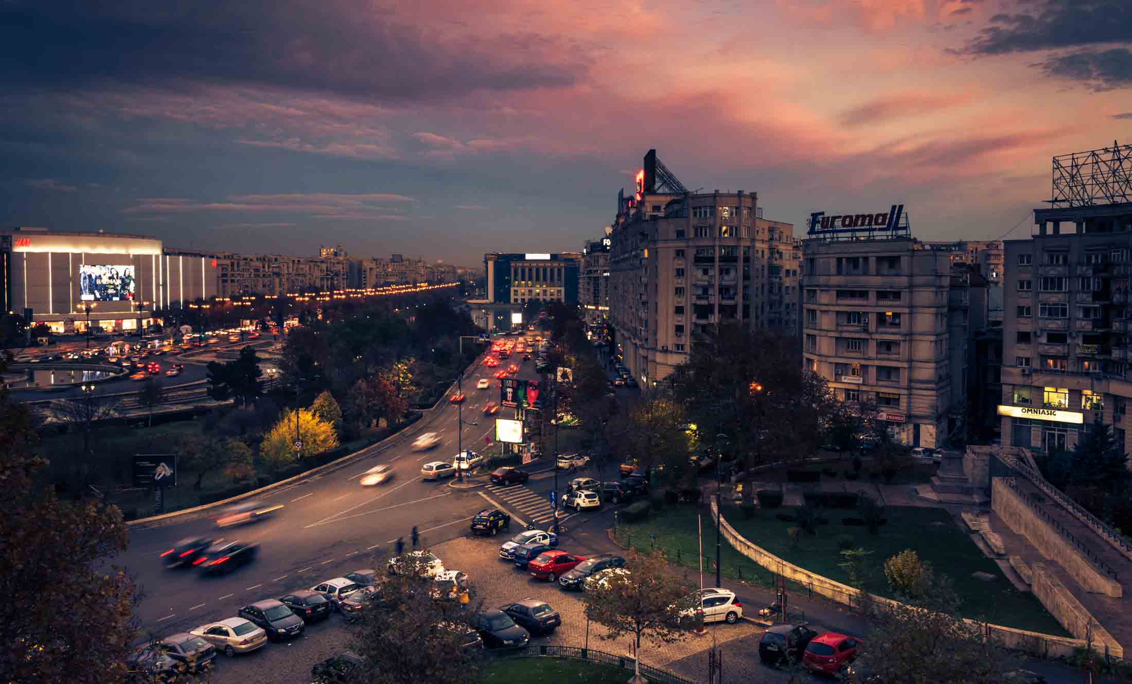Panoramic Tour of Bucharest by car