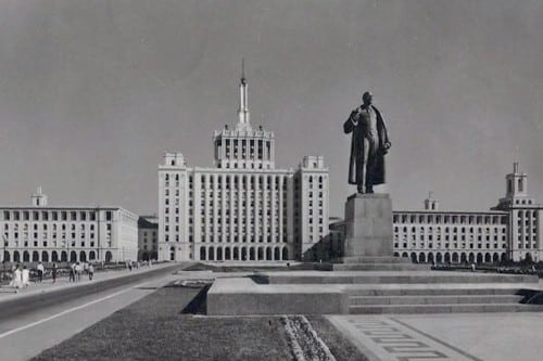 Press House and Lenin statue